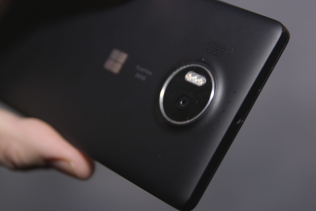 All About The New Trending Microsoft Lumia 950XL1