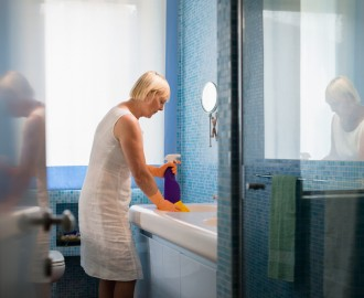 How To Design An Easy-Clean Office Bathroom