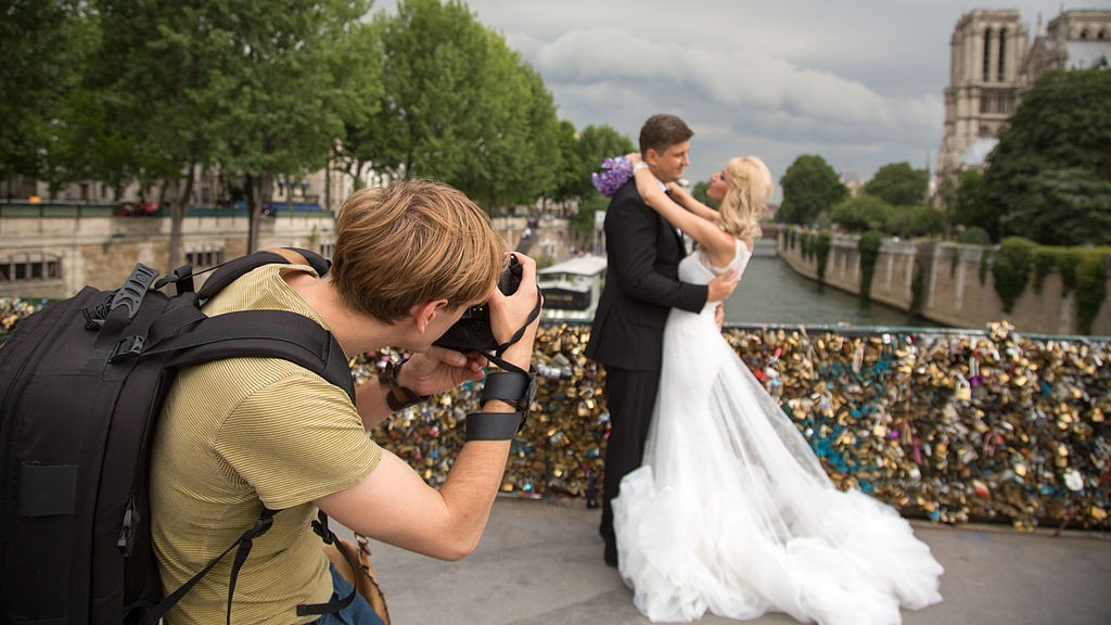 How Amateur Photographers Can Take Wedding Photos That Are Professional-Quality