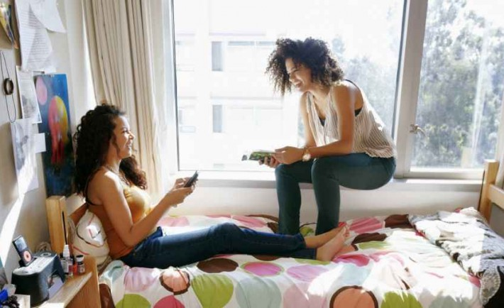 The Pros and Cons Of College Dorm Life