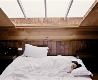 3 Reasons to Hold on to Your Body Pillow While Sleeping