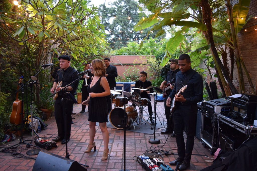 Make Your Wedding More Romantic With A Live Band