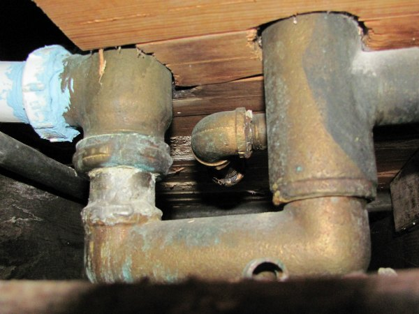 When Should I Replace My Old Plumbing?