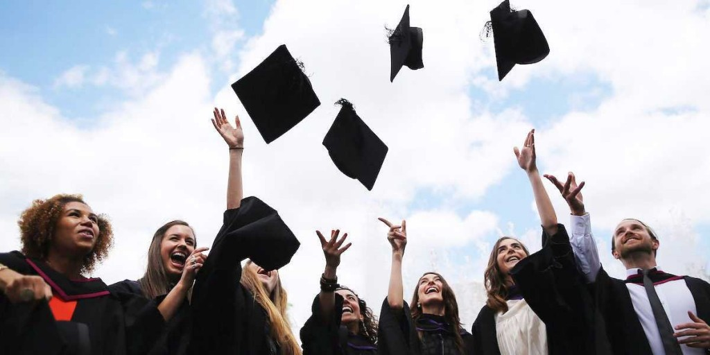 5 Things New College Grads Should Avoid Doing
