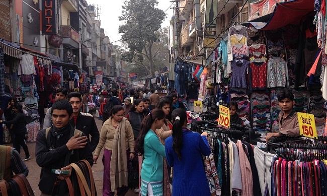 sarojni-nagar-market